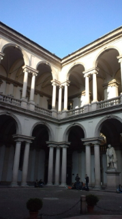 ブレラ美術館中庭
