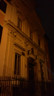 ゴンファローネ通りの教会