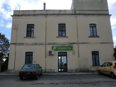 スッド・エスト線チステルニーノ駅
