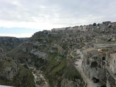 イドリス教会裏から見たカヴェオーソ地区