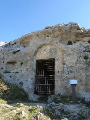 ティモーネの展望台の洞窟教会