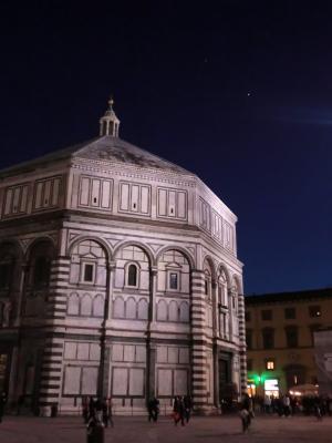 夜のサン・ジョヴァンニ洗礼堂