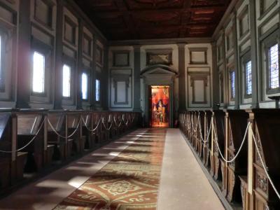 ラウレンツィアーナ図書館1