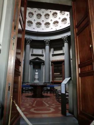 ラウレンツィアーナ図書館6