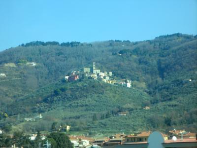 トスカーナの丘の上の町
