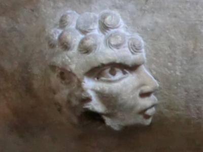 サン・フレディアーノ教会 ロマネスク装飾1