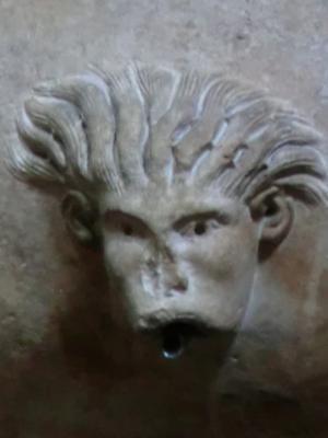 サン・フレディアーノ教会 ロマネスク装飾2