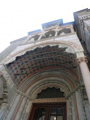 ベルガモ サンタ・マリア・マッジョーレ教会の門