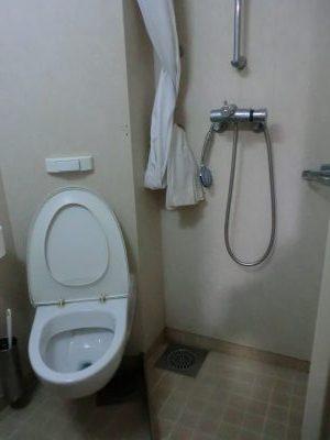 キャビンのトイレ