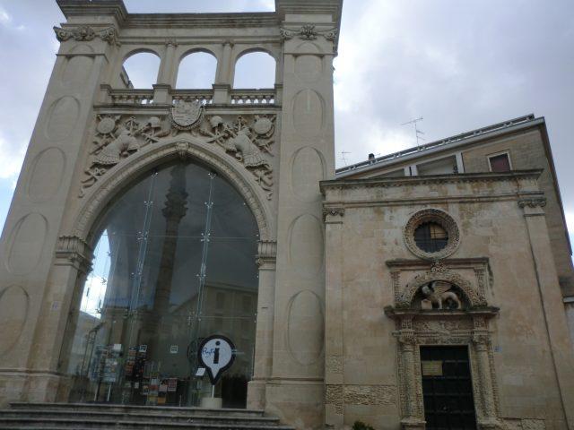 レッチェのサントロンツォ広場