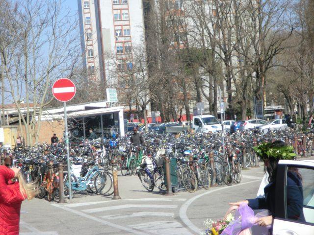 フェラーラ駅の自転車置き場